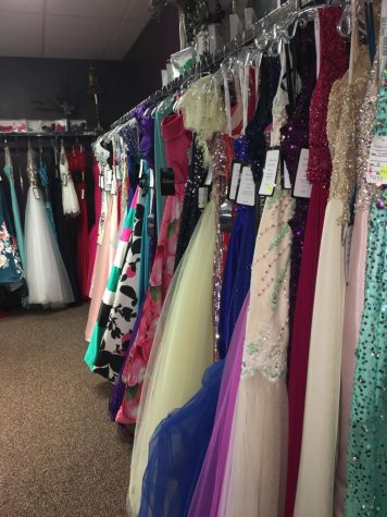 Prom season drains bank accounts