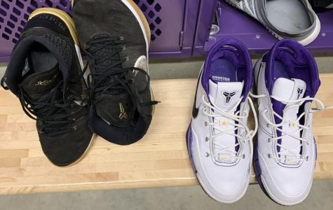Basketball players pay tribute to Kobe by wearing his shoes