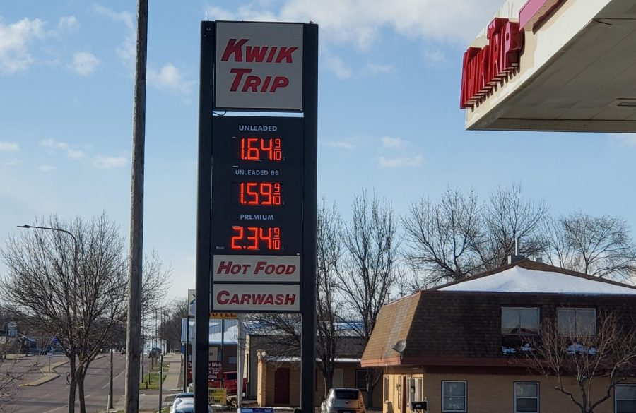 When you go into pay for your gas and you come back out to your car and the price dropped by  10 cents #qaranTEENproblems